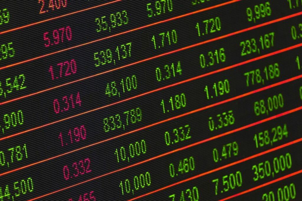 stocks-listing-1730089_1920-2